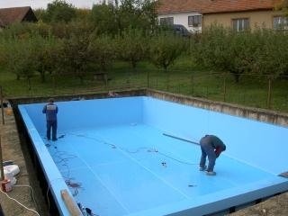 Svaření bazénu u zákazníka